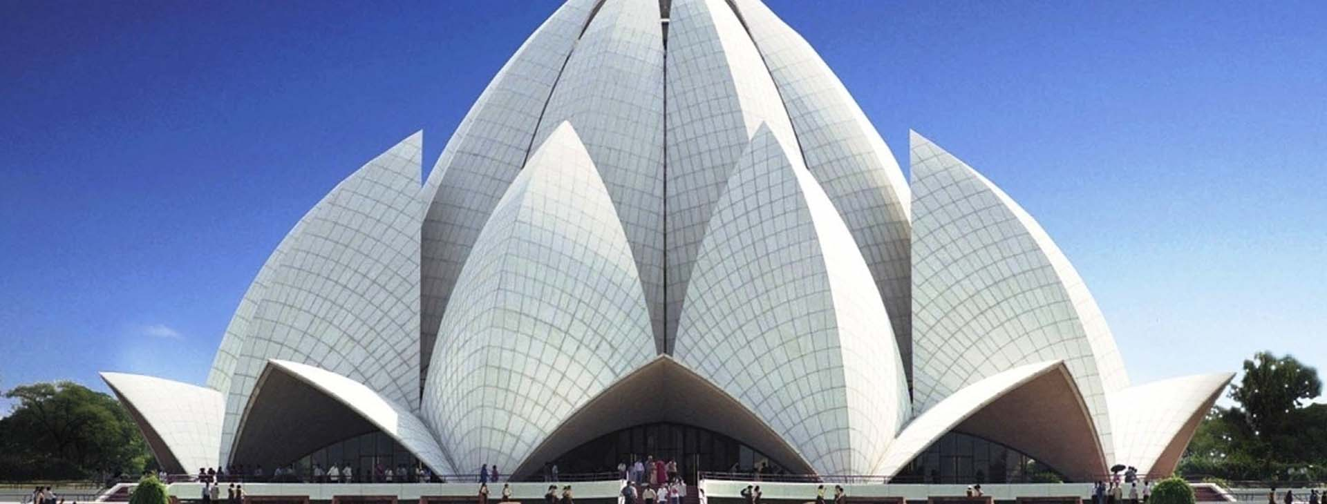 Delhi sightseeing tour by bus
